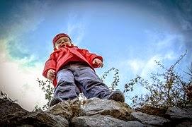 Vom Klettergerüst Auf Den Rücken Gefallen : Autsch u vom klettergerüst geknalltu moms monstermanagement